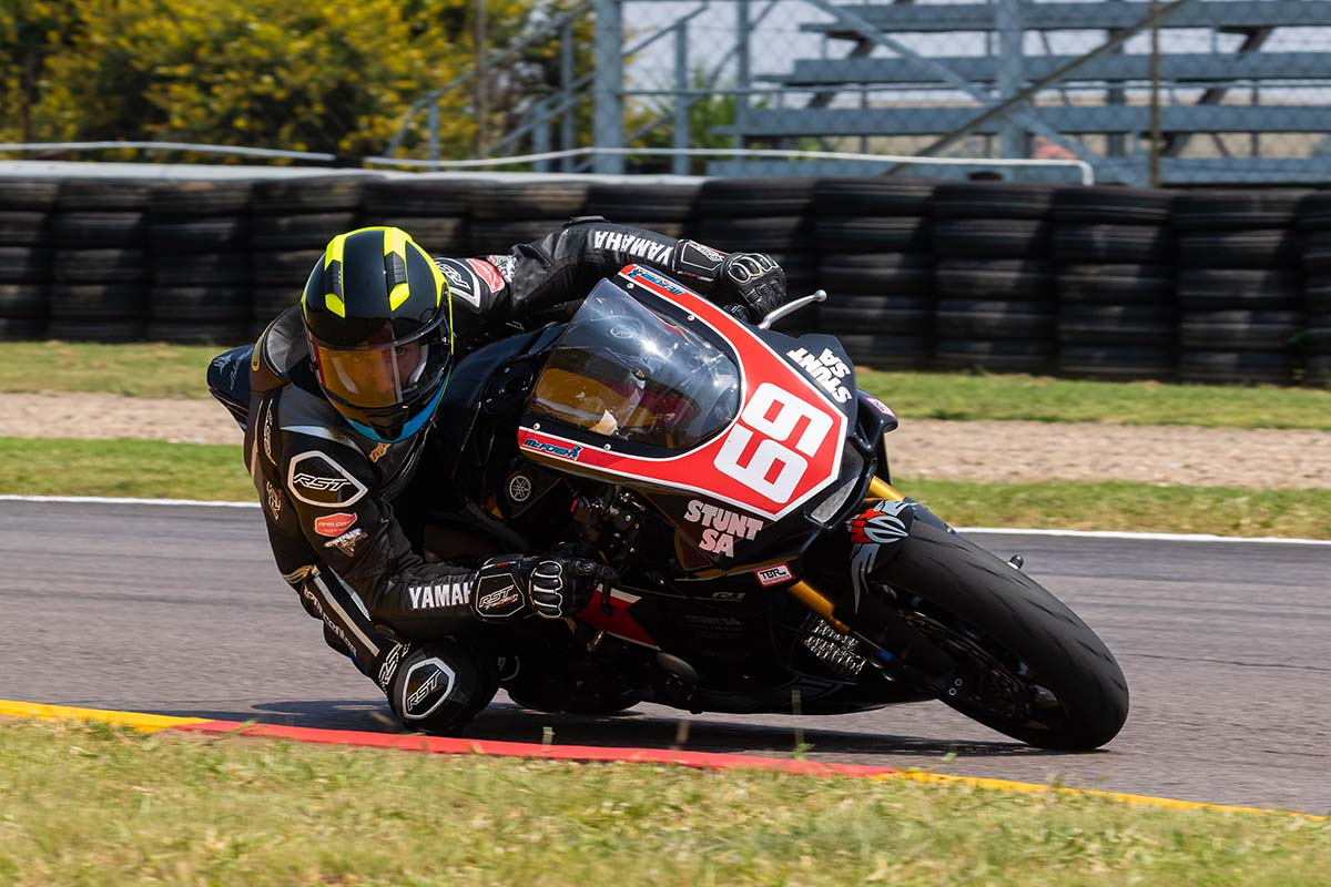David McFadden on the Stunt SA Yamaha R1